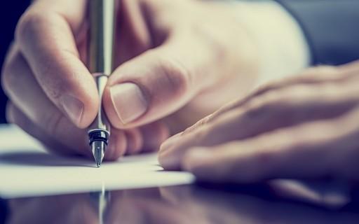 Kadınlar Yazmayı, Erkekler İmzalamayı Tercih Ediyor